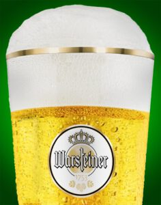 Werbefoto von einem frisch gezapftem Glas Bier