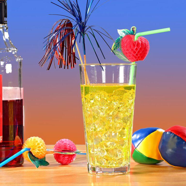 Glasfoto dekoriert als Cocktail mit Urlaubsfeeling