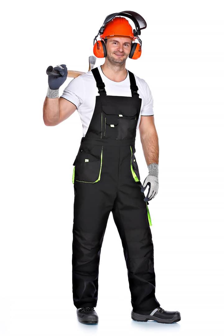 Arbeitsbekleidung für Waldarbeiter mit Schutzhelm