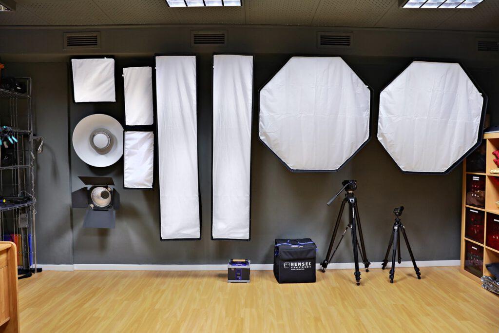 Softboxen für die Beleuchtung im Atelier