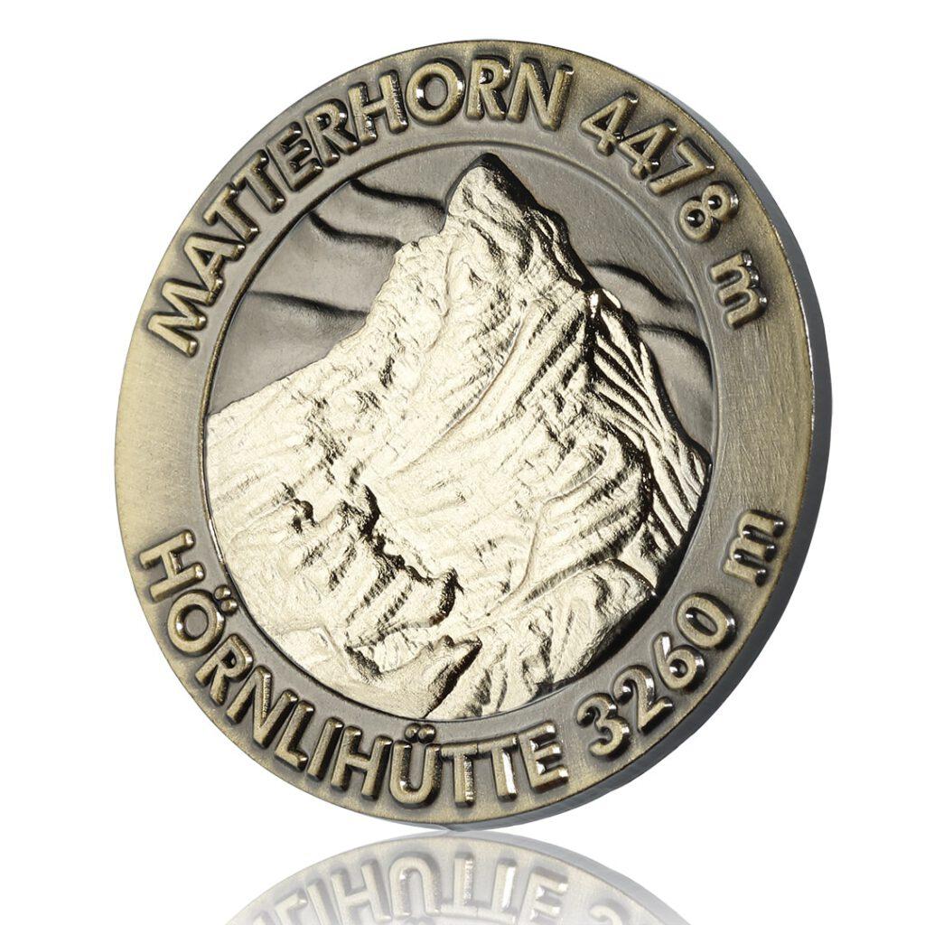 Matterhorn Ansteckpin zum Verkauf