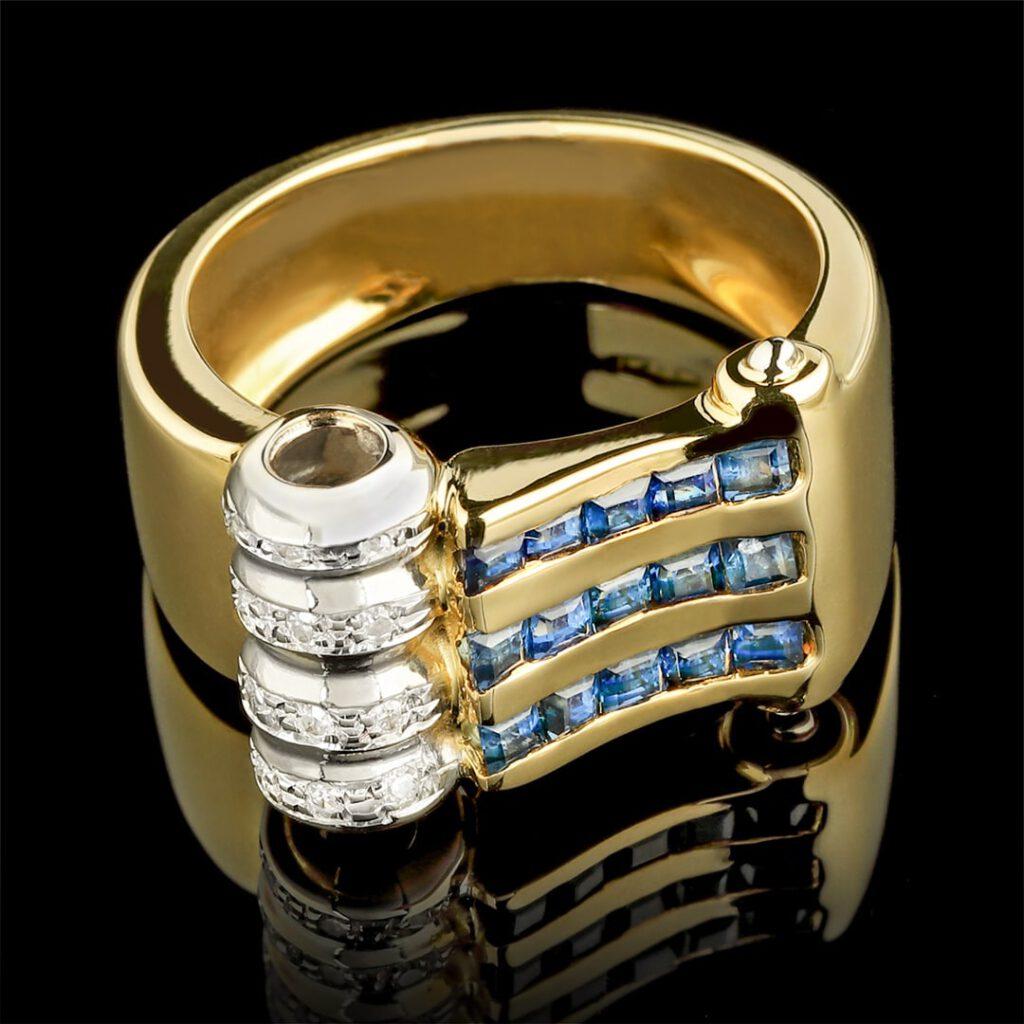 Objektfoto für Juwelier Damenring aus Gold mit Edelsteinen