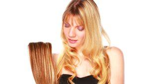 Fotoshooting mit Fotomodell für Friseurbedarf Hair Extensions