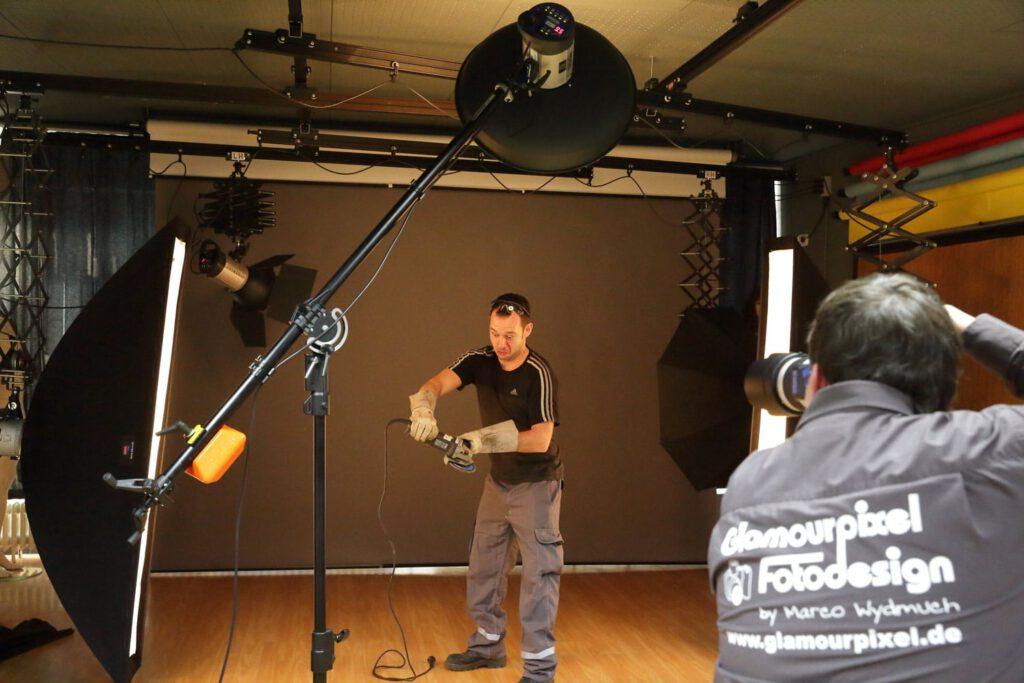 Techniker bei Fotoaufnahmen