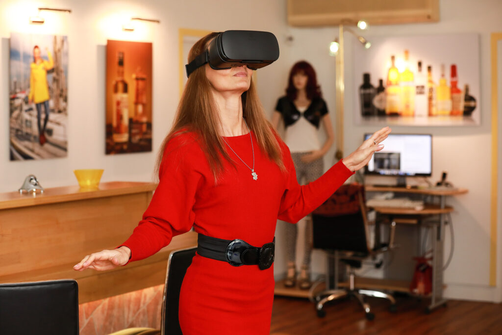 Polina Hinz mit VR-Brille
